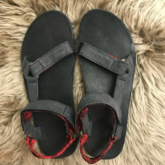 6b9d0c13d76e Teva Men s Original Universal Sandal